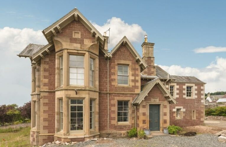 9-bedroom detached family home could be yours for £650k – and it hides VERY fun secret