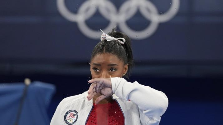 A gift from the GOAT: Simone Biles shows it's OK to choke