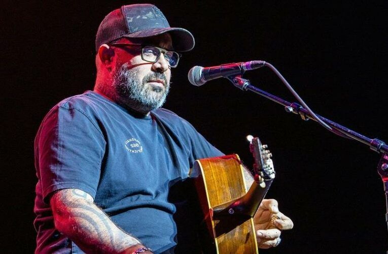 Country singer Aaron Lewis disses libs, Bruce Springsteen in new patriotic song