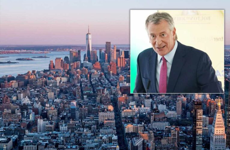 De Blasio says hotels are filling up as NYC tourism rebounds