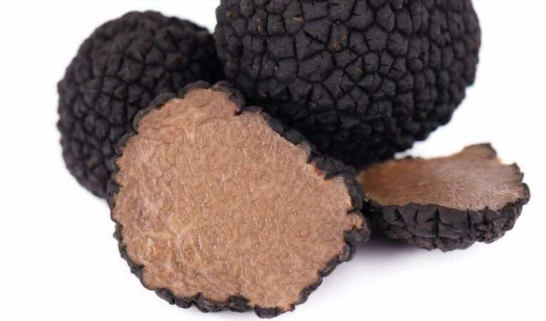 Here's The Huge Sin You Are Committing When Cooking With Truffles