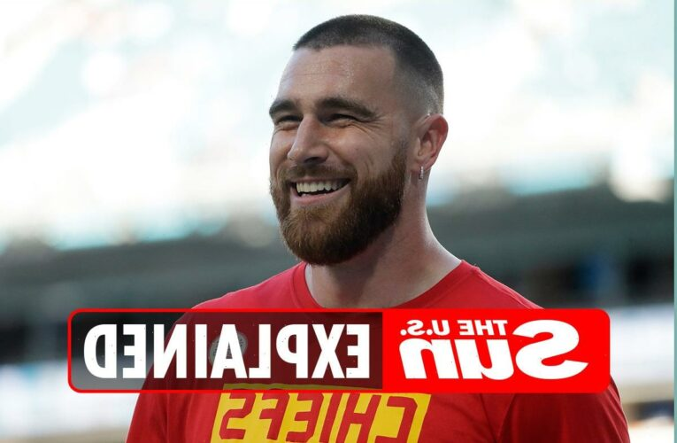 How does NFL star Travis Kelce pronounce his name?