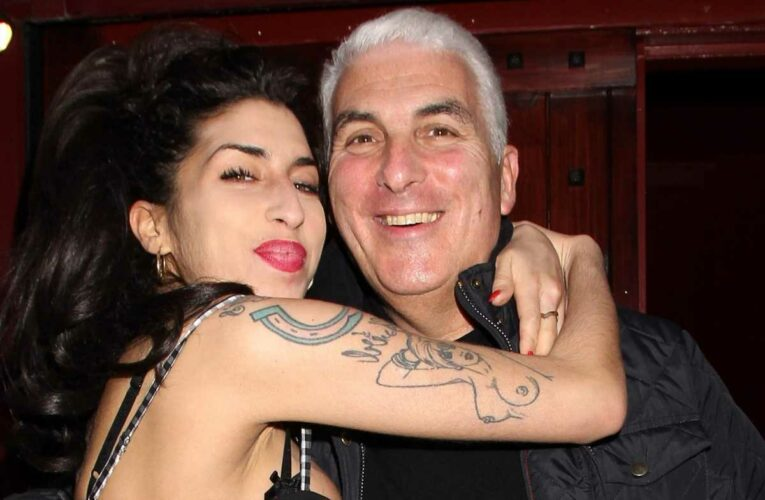 Mitch Winehouse claims daughter Amy has visited him since her death but is too 'frightened' to speak to her