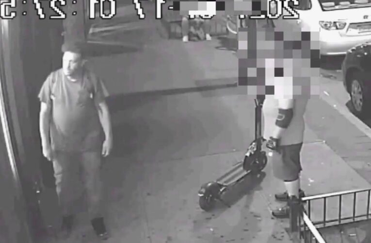 Shocking video shows mugger stab man, steal his electric scooter in Queens