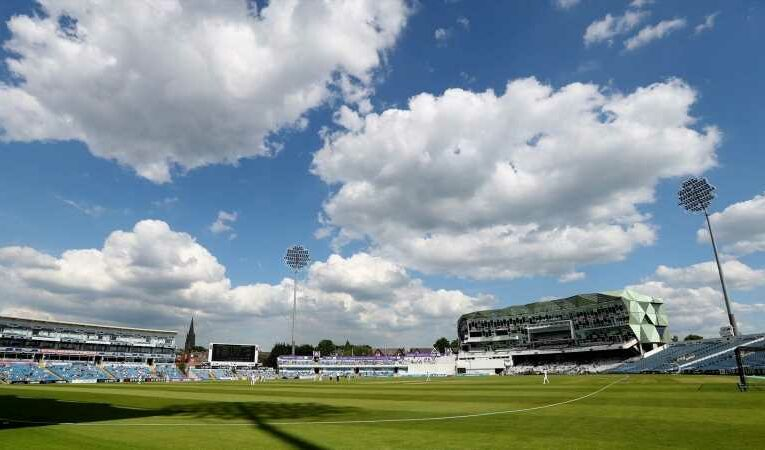 Yorkshire vs Lancashire suspended after Dominic Leech suffers leg injury on 'unsafe and unfit' outfield