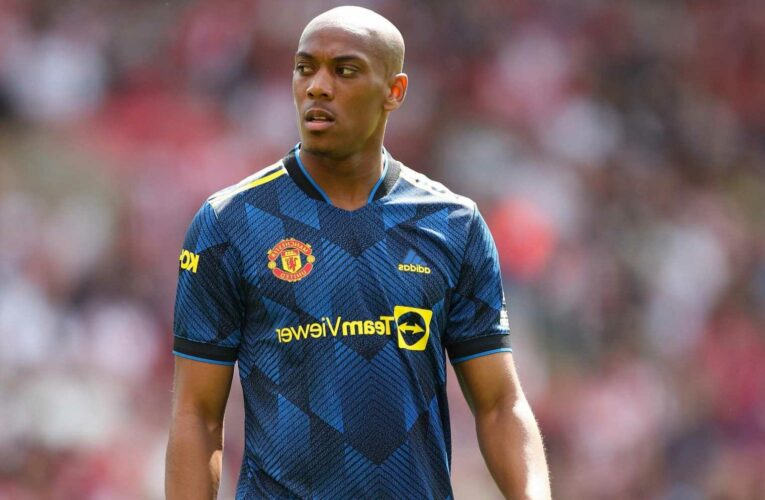 'Lightweight' Man Utd star Anthony Martial slammed by pundits after 'shocking' performance during Southampton draw