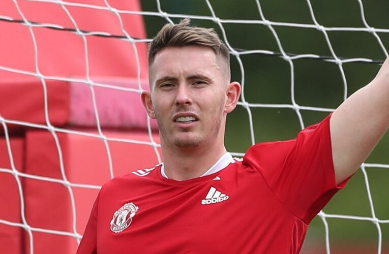 Dean Henderson ruled OUT of Man Utd's pre-season Scotland training camp after catching Covid three weeks ago