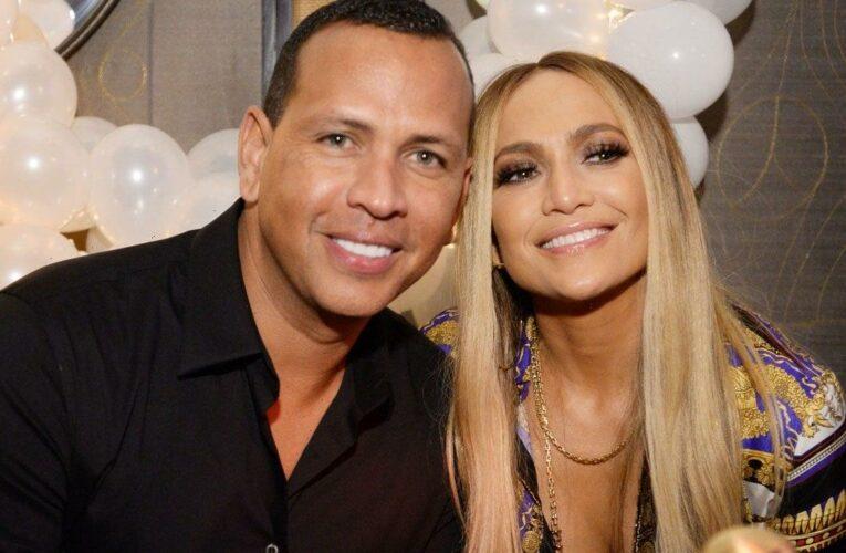 Jennifer Lopez Removes All Photos of Ex Alex Rodriguez on Instagram