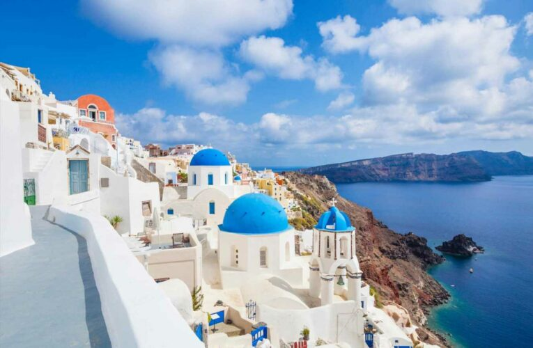 Woman gets seven-night holiday to Greece for just £1.60 – here is how to do it