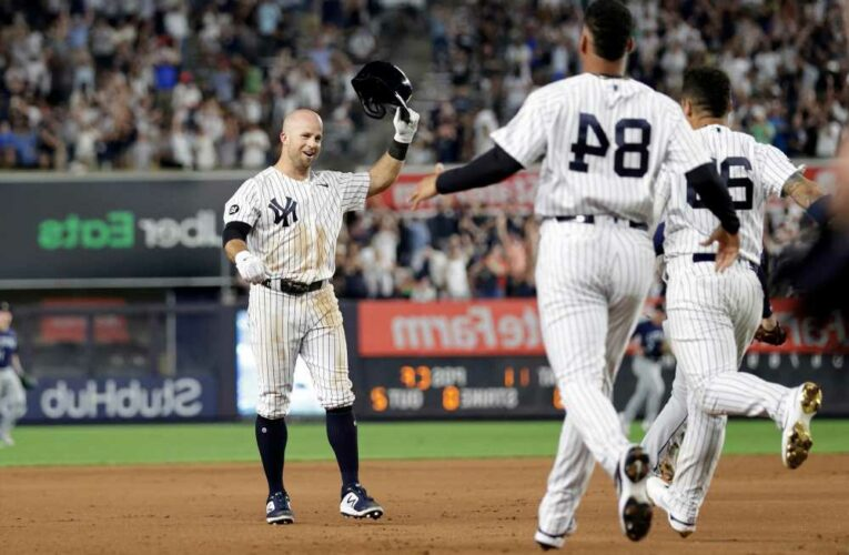 Yankees keep rolling with 11-inning walk-off win over Mariners