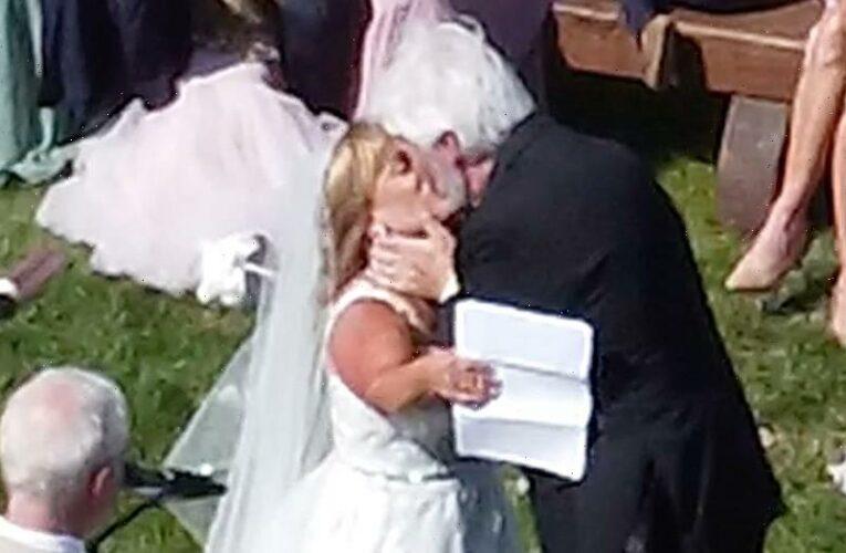 'Little People Big World' star Amy Roloff marries Chris Marek in beautiful outdoor ceremony