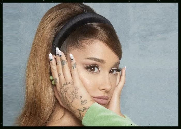 Ariana Grande, Blake Shelton Square Off In New 'The Voice' Promo