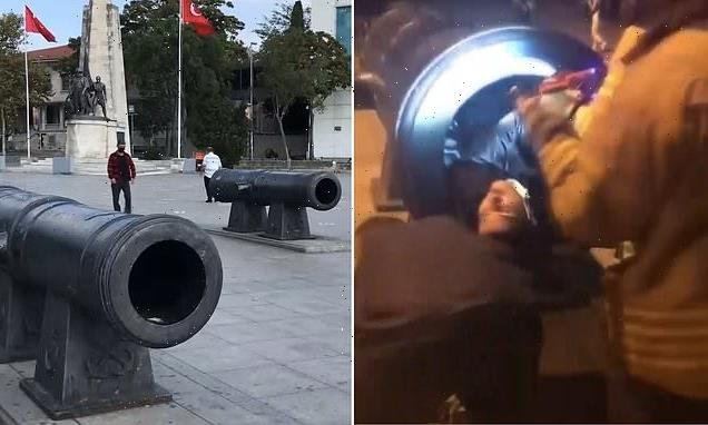 Firefighters rescun man who got stuck in cannon while posing for photo