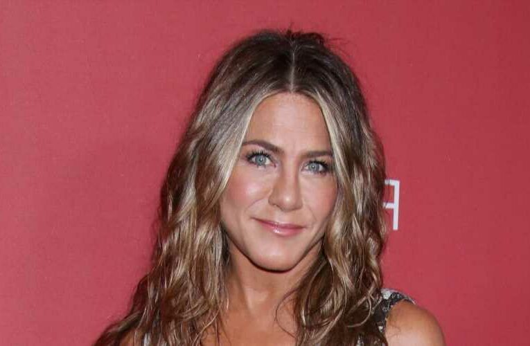 Jennifer Aniston says she's 'ready' to fall in love again, plus more news
