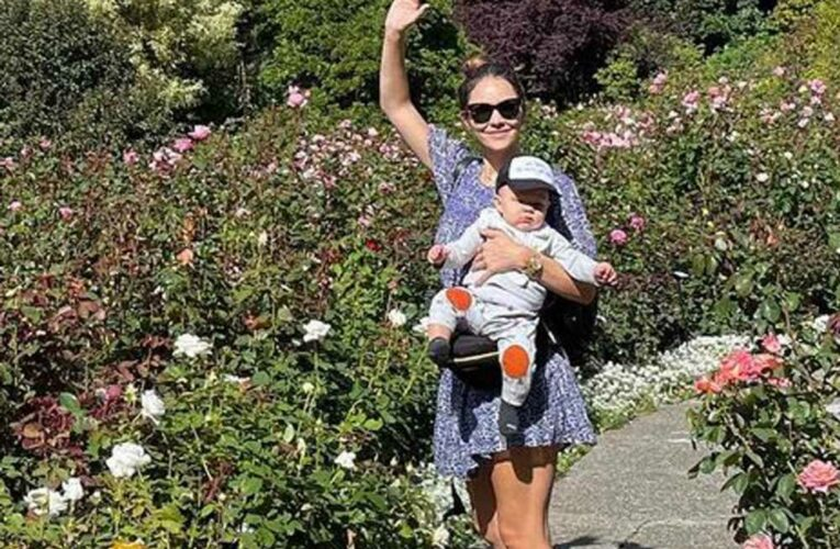 Katharine McPhee reveals baby Rennies face for first time