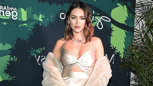 Lisa Rinna's Daughter Delilah Hamlin, 23, Recycles Her Vintage Versace Dress From 1998 Oscar Party
