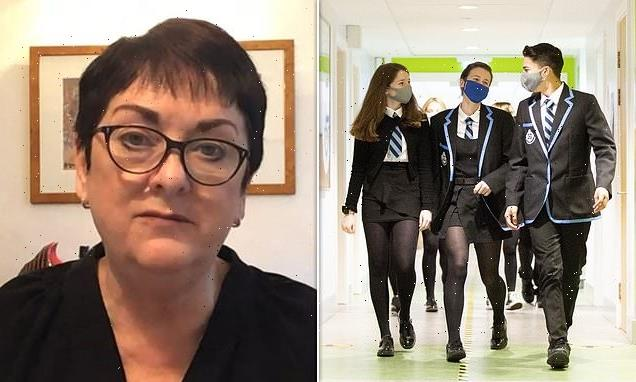 School pupils should wear face masks when they return to school