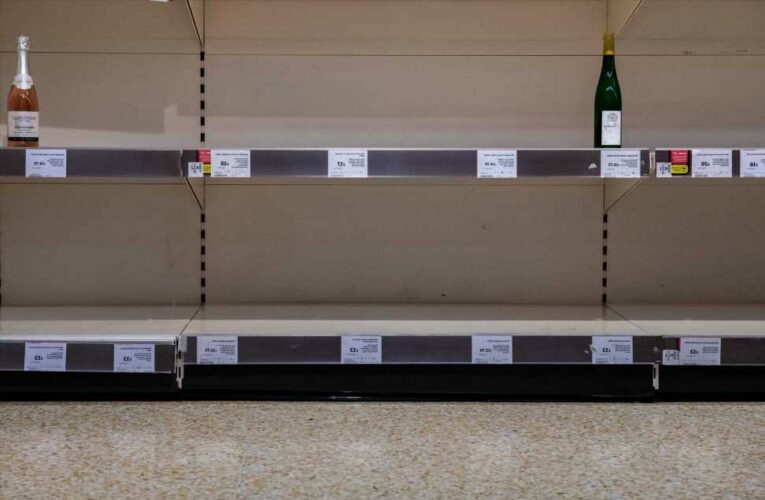 Shoppers face national prosecco and wine shortage as costs boom at Christmas due to lack of lorry drivers