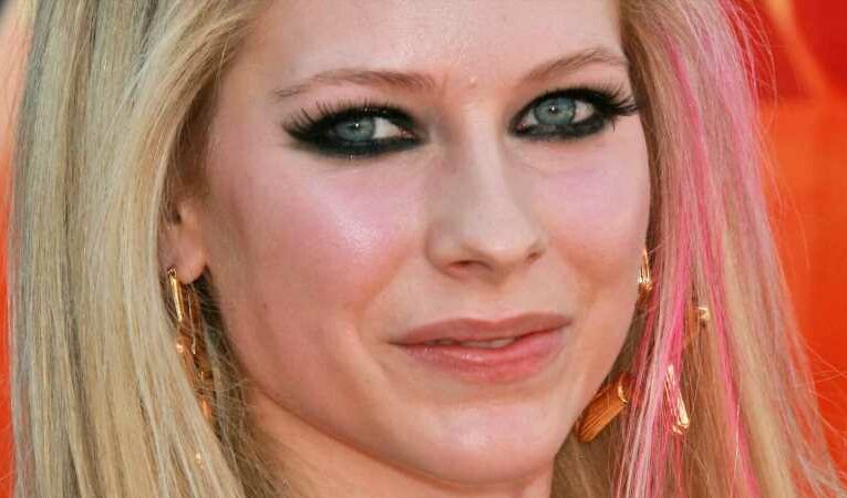 The Truth About Avril Lavigne And Mod Sun