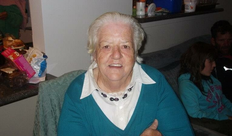 Family sues Bendigo aged care for negligence after grandmother's death