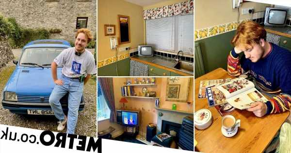 Man obsessed with the '90s spends £5k turning flat into time capsul